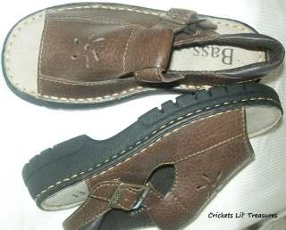 BASS Girls brown leather sandals shoes pumba 13M NEW