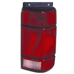 91 94 Ford Explorer Tail Light ~ Right (Passenger Side, RH