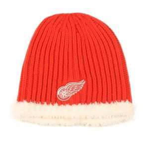 Detroit Red Wings Red Faux Fur Knit Beanie (Uncuffed)