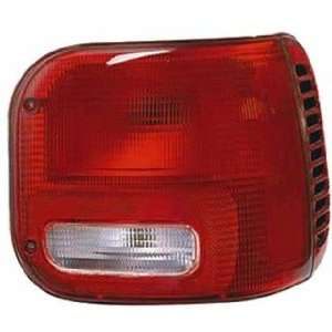QP D6515 a Dodge Van Passenger Tail Light Lens & Housing