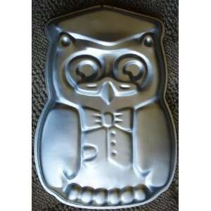 Wilton Wise Owl Graduation Cake Pan 1978